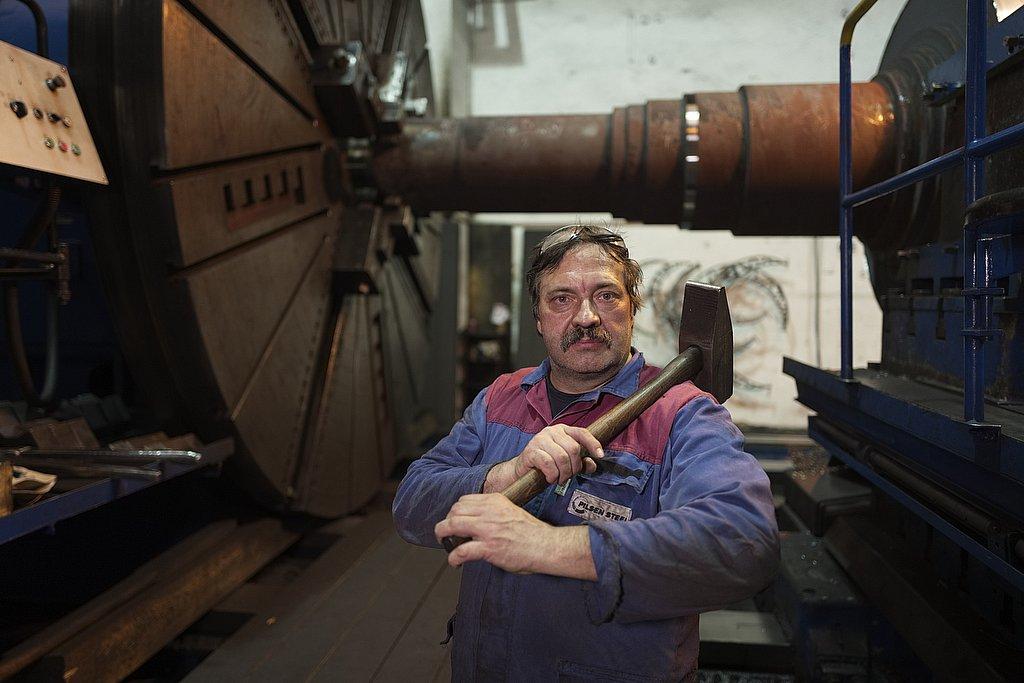 worker - pilzen steel